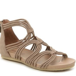 Adam Tucker by Me Too STELLA Sandals 6.5 Brown